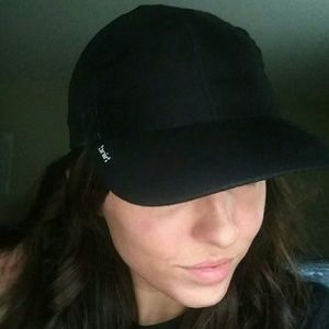 Hind brand black ball cap